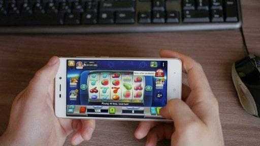 オンラインカジノの目玉スロットマシンの魅力に迫る!